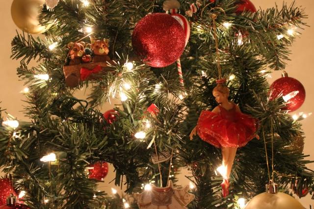 クリスマスツリー手作りにチャレンジ!木の選び方オーナメント紹介