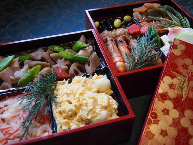 正月料理の定番、おせち料理を簡単に種類豊富に