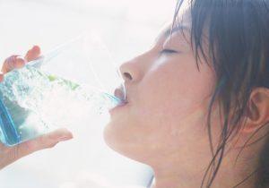 夏バテ対策には水分補給